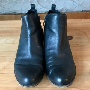 Lucky Brand basel ankle booties